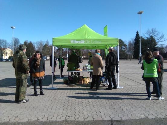 Vihreät torilla 9.4.2016 Varkaus